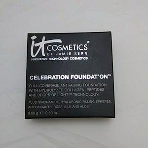 It Cosmetics Celebbration Foundation